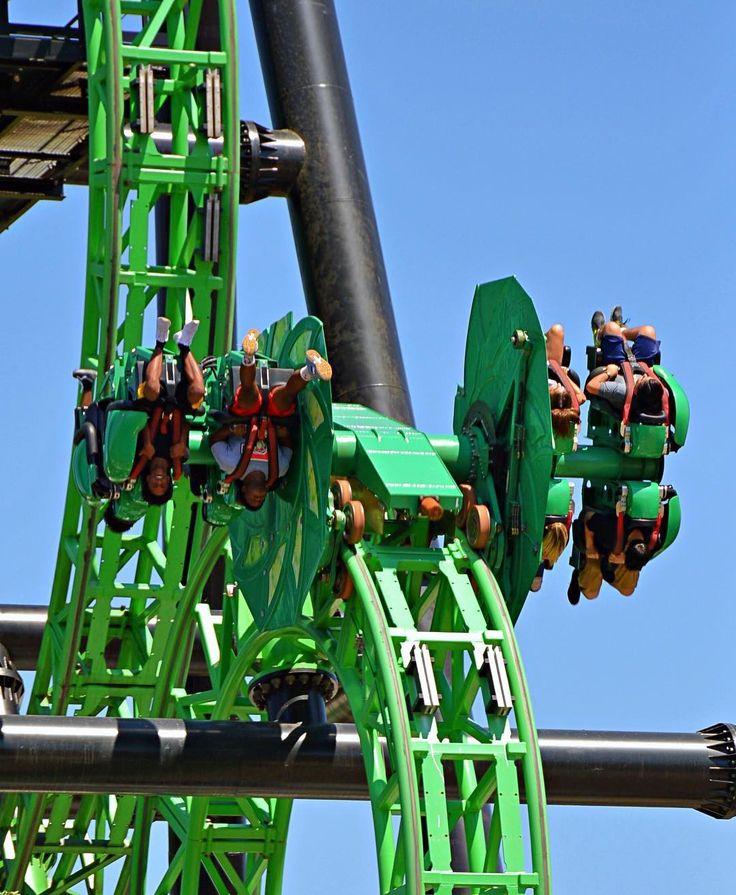 The ride experience on Green Lantern First Flight will soon feel different! The park is still in the process of adding more brakes/trims and it looks like they might add more to the empty slots in this picture. What do you think about these additions? (My photo) . . #sixflags #magicmountain #sixflagsmagicmountain #dc #dccomics #greenlantern #themepark #amusementpark #Rollercoaster #coaster #coasters #socal #losangeles #la #ca #california #westcoast #360 #2018 #summer #ride #thrill…