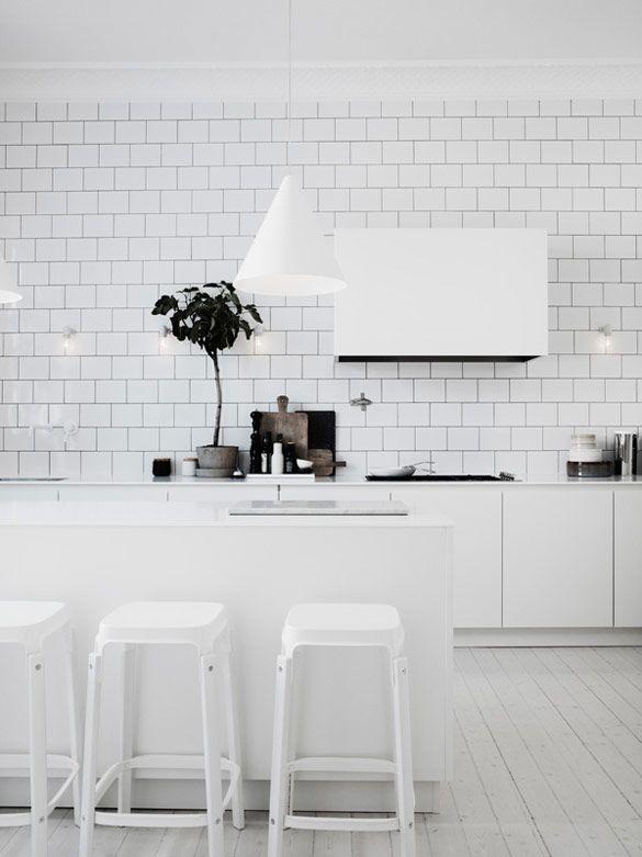 Köksskåp och lampor