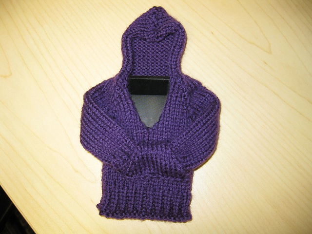 iPhoodie Pattern (a hoodie for an iPod or iPhone) - free ...