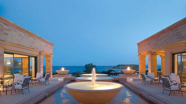 Either you are after a deluxe family suite or a dream villa with private pool, Grecotel Cape Sounio has a wide variety of facilities to choose from. Make your reservation today in one of the most beautiful villas in Athens. Discover Grecotel Cape sounio today!  #athens #attica #capesounio #luxuryhotels #luxuryhotelathens #5starhotels #5starhotelathens