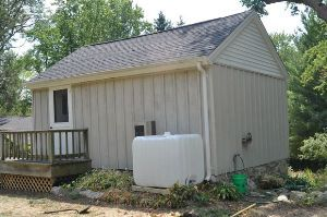 This DIY rainwater collection system stores five times more water than a typical rain barrel.