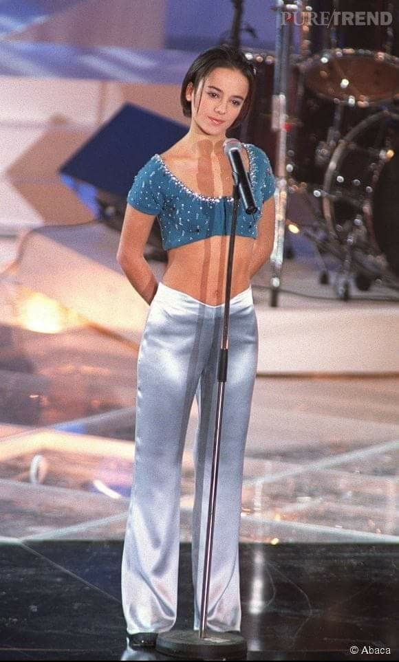 Alizée Jacotey | s in 2019 | She was beautiful, Beauty, Singer