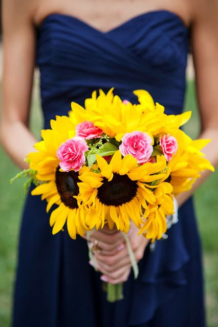 I keep coming back to the navy and sunflower theme! Love it, so fun and bright…