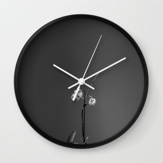 https://society6.com/product/orchid-black-and-white-th5_wall-clock#s6-4573659p33a33v284a34v285