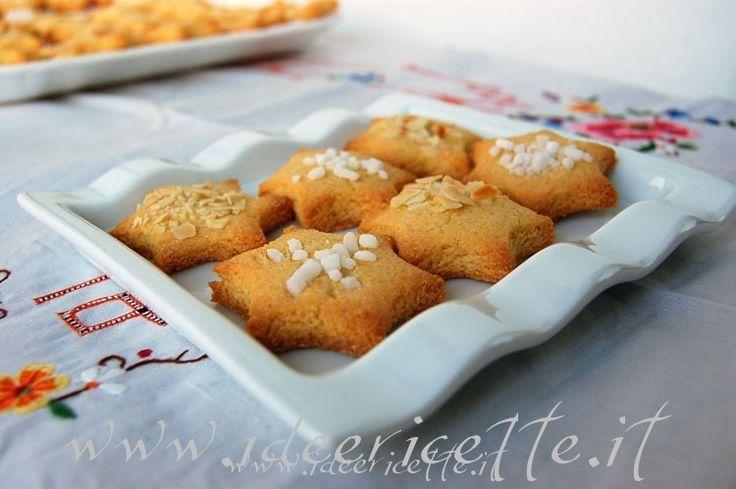 "Ricetta Biscotti natalizi ""Stelline Polentine"""