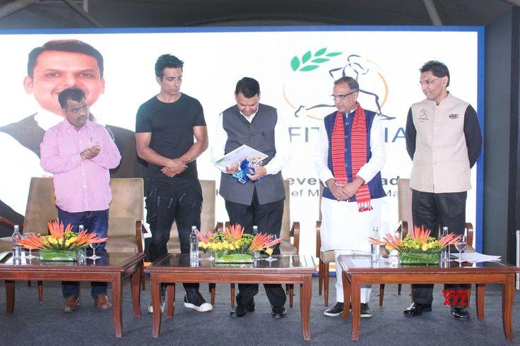 Mumbai: FITINDIA Conclave  Sonu Sood and Devendra Fadnavis - Social News XYZ