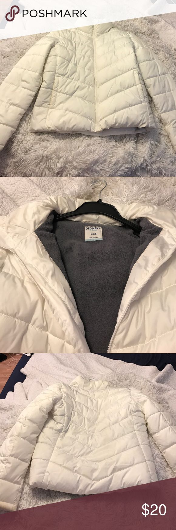 Old Navy White Puffer Jacket Sz M Worn once Old Navy Puffer Jacket Sz M. White Old Navy Jackets & Coats Puffers