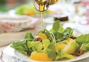 salada de alface romana e agrião com laranja