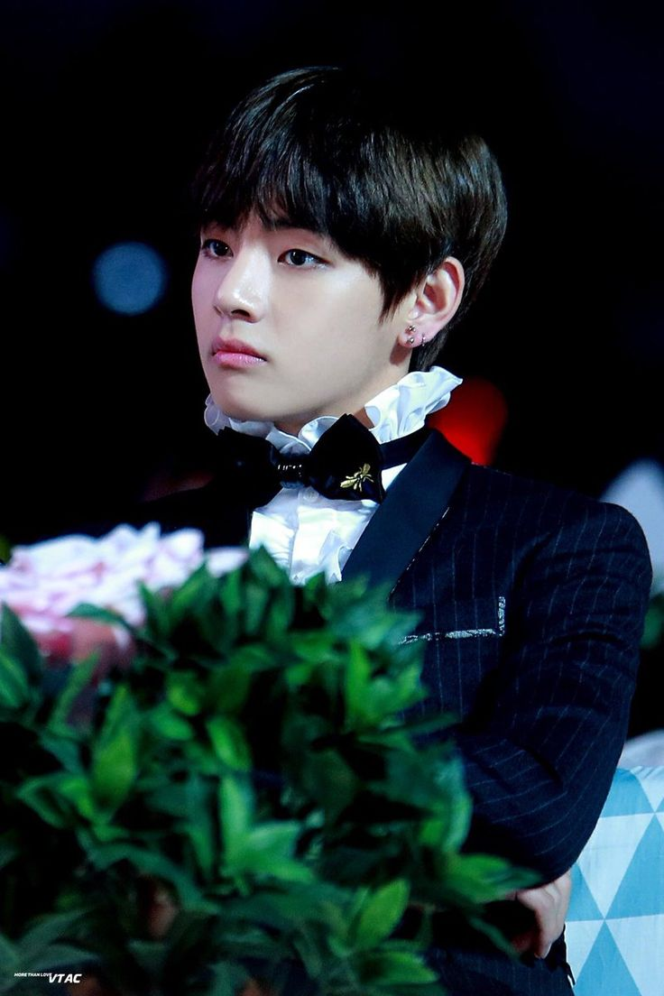 v updates on | Taehyung 뷔 #1 | BTS, Taehyung, Bts taehyung