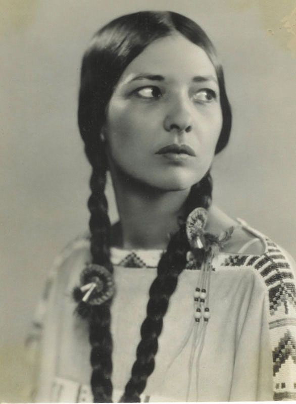 Te Ata Fisher (1895-1996) was an actress and member of the Chickasaw Nation. She was known for telling Native American stories, and even performed for President Roosevelt at state dinners during the 1930s.