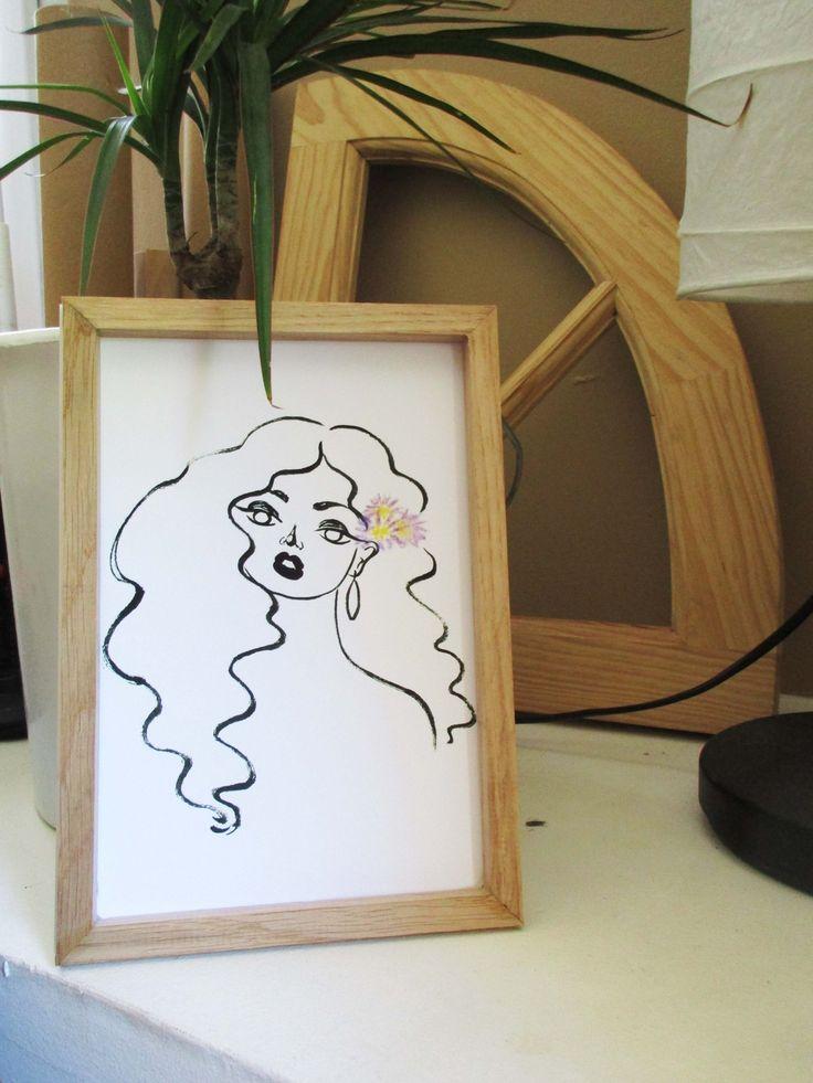 Pour quelques violettes. Illustration de Margot LATHIERE.  Impression pour votre déco intérieur. D'après un original réalisé à l'encre de chine et pastels. Portrait d'une femme et de violettes.