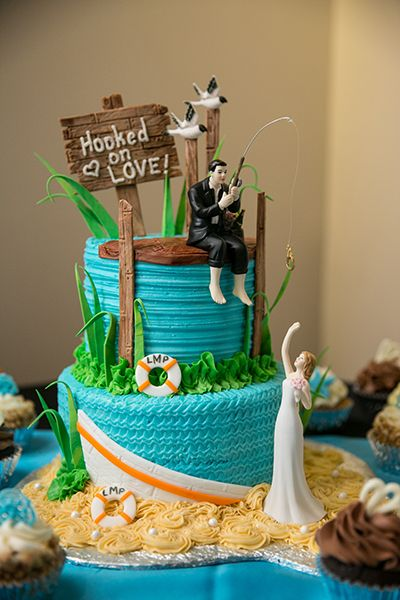 Cake Ideas For Wedding Rehearsal Dinner : 25+ Best Ideas about Fishing Wedding Cakes on Pinterest ...