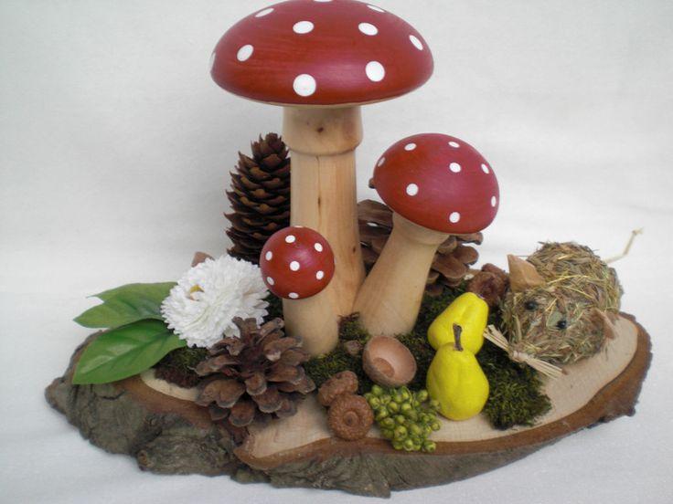 """Tischdeko """"gedrechselte Fliegenpilze""""  von Pfiffiges aus Heu, Wolle und Holz auf DaWanda.com"""