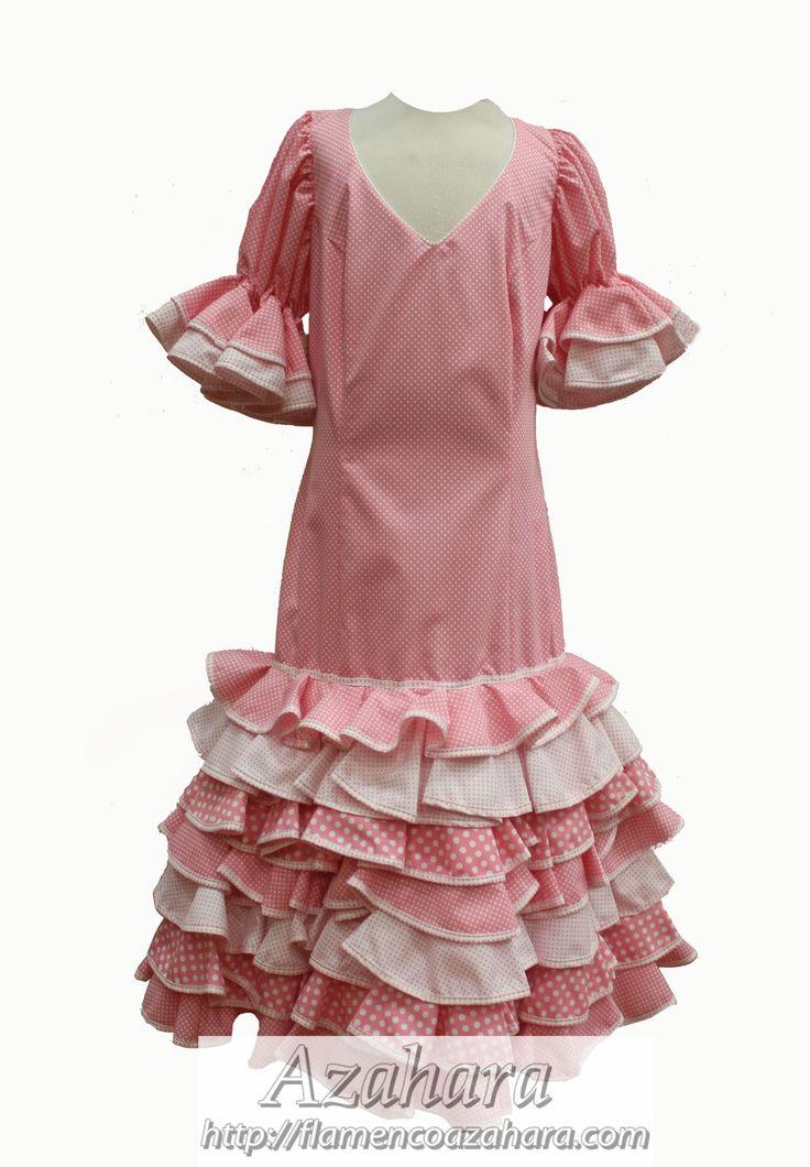 #TrajeDeGitana CECILIA  Con fondo #rosa y topos en blanco es perfecto para la temporada de verano por su media manga.