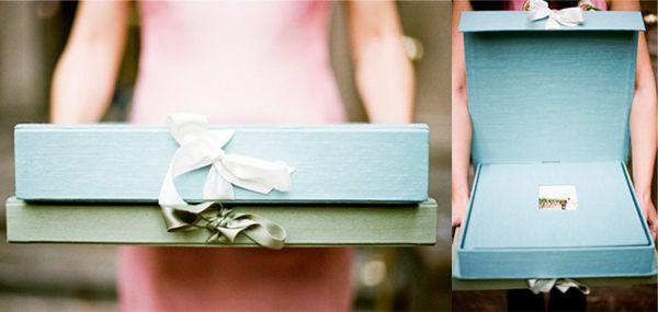 """A classe old school da forração (em shantung) com o charme das cores. Álbuns de casamento chiques e """"decorativos""""! Álbuns: Cypress Fine Handmade Albums Fot"""