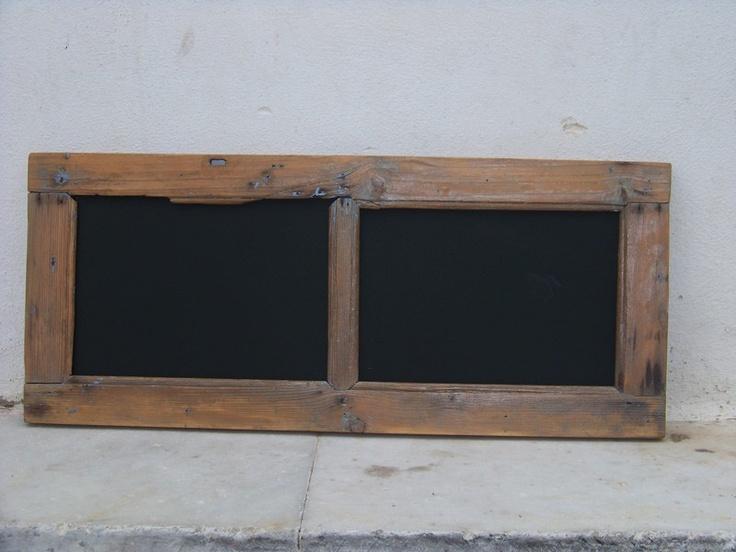 ein altes Fenster.....achtlos weggeschmissen und jahrelang den Kraeften der Natur ueberlassen.....hat eine neue Bestimmung bekommen.......die gute alt