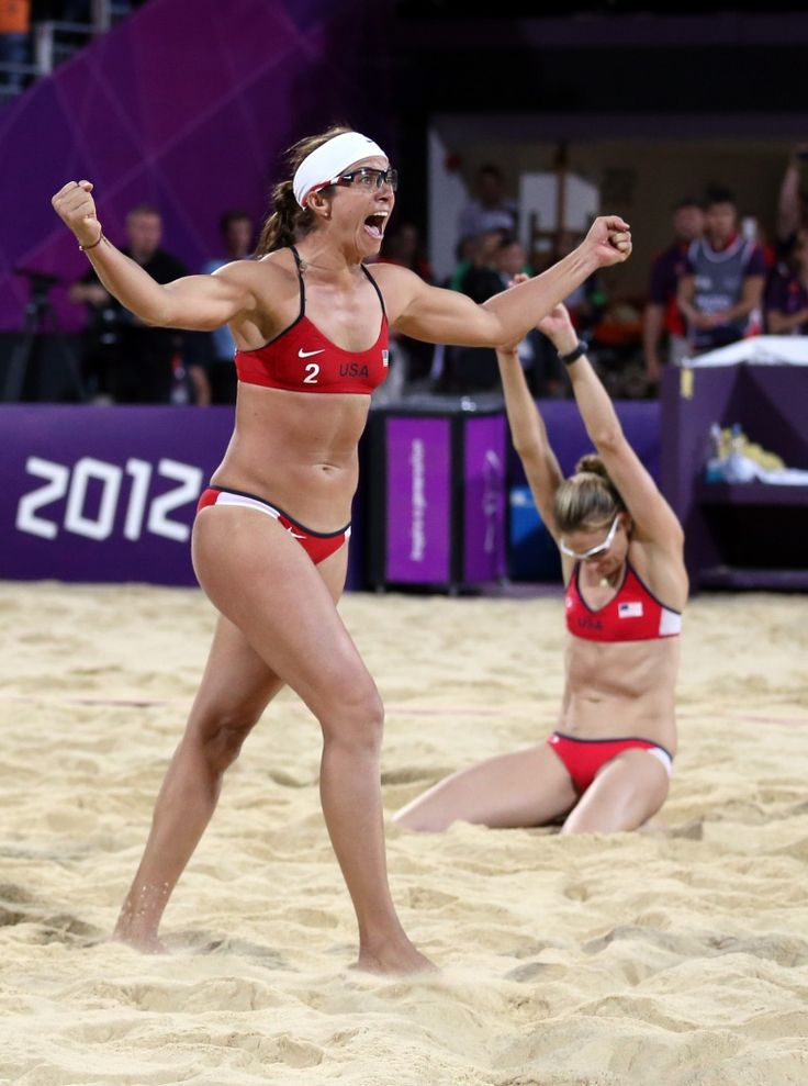 Misty May and Kerry Walsh, the two best volleyball players ever! <3