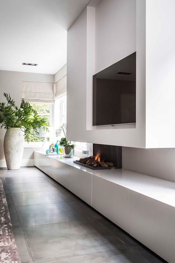 Fireplace / tv wall