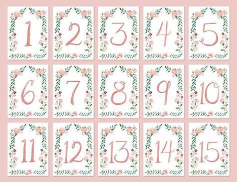 Estos números de tabla acuarela Floral frontera son perfectos para su boda elegantes o evento.   Las tarjetas están impresas sobre cartulina resistente 120 lb y están disponibles en varios tamaños: • A2, 4.25 x 5.5 pulgadas • A7, 5 x 7 pulgadas • 4 x 6 pulgadas  Las tarjetas son doble cara y se imprimirá en la parte delantera y trasera a menos que se indique lo contrario.  Colores personalizados también están disponibles bajo petición.  Números de mesa enviar dentro de 3-5 días laborales a…