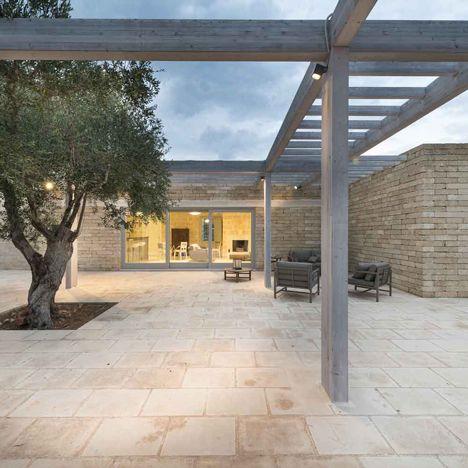 Ecosustainable house in Saleto by Iosa Ghini Associati