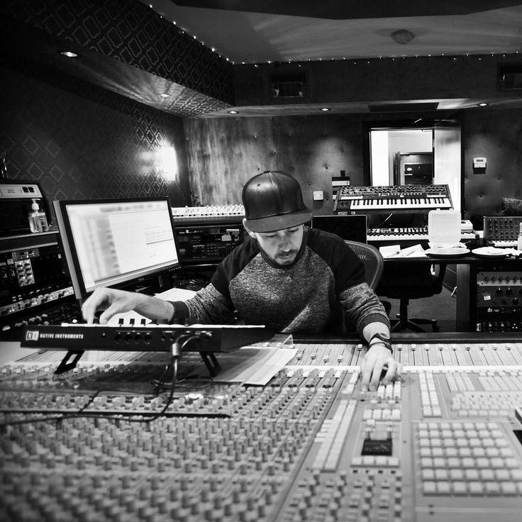 Mike Shinoda at work