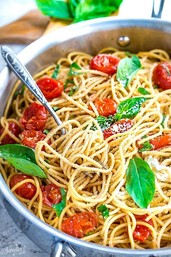 Tomate cerise Basil épinards et parmesan Pâtes rend le parfait repas facile et réconfortant de semaine!  Le meilleur de tous, il se réunit facilement en moins de 30 minutes!