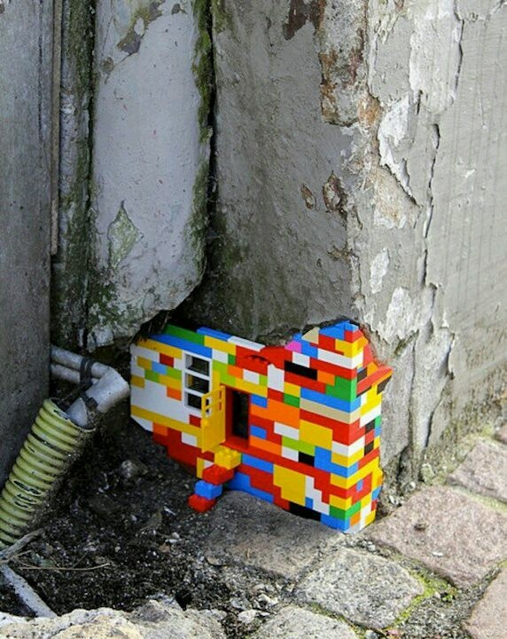 Colourful renovation with LEGO