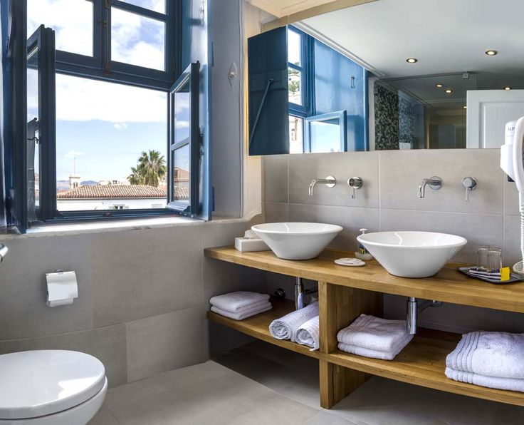 Premium suite bathroom with a view