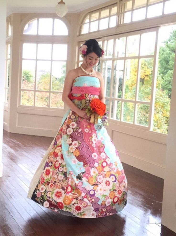 East Meets West in Wedding Dress Form | All About Japan