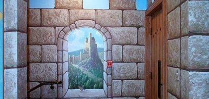 Cómo pintar paredes falsas de castillo | eHow en Español