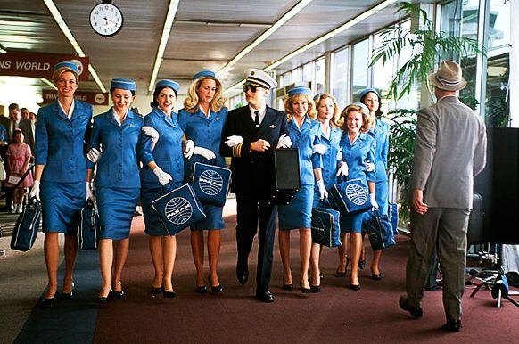 Une histoire de la mode à travers les uniformes de compagnies aériennes / INSTITUT FRANCAIS DE LA MODE
