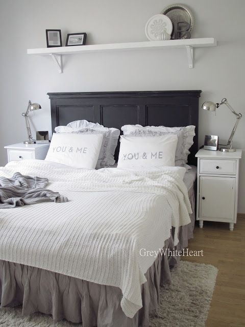 Love the shelf and nightstands