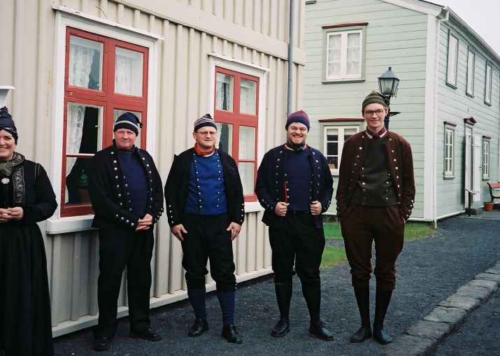 Icelandic national costumes. Do you know that many Icelanders still believe in invisible elves? :)