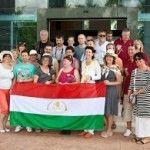 Magyar csapat a DXN központjánál Malajziában