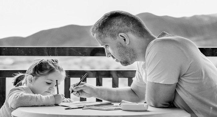 تفسير حلم الأب في المنام لكبار علماء التفسير الأب هو رمز الأمان ومصدر السعادة والبهجة للأسرة كما يقال عو رب الم Parenting Blog Good Parenting Parenting Hacks