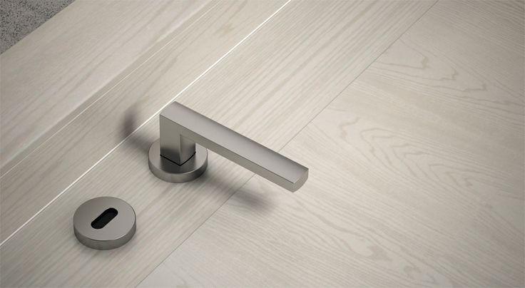 FBP porte | Collezione LOLA  dettaglio maniglia  #fbp #porte #legno #porteinlegno #door #wood #wooddoor