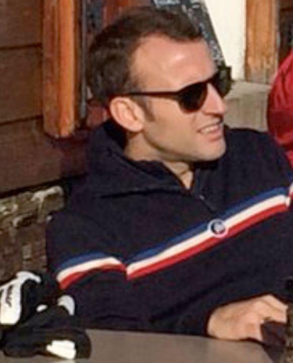 Emmanuel Macron à la Mongie portant ses lunettes solaires VUARNET. Merci au Président pour ce clin d'oeil amical à la qualité made in France de nos collections. #sunglasses #mensunglasses #womensunglasses #polarizedsunglasses #fashion