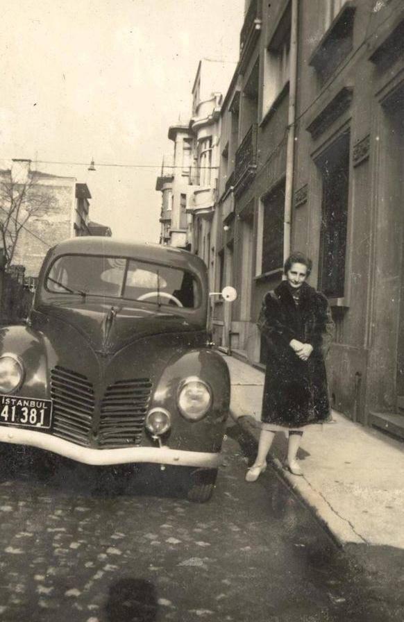 """""""Doğma büyüme İstanbullu"""" #istanbuldeyimleri #istanbul F:1960lar #istanlook"""