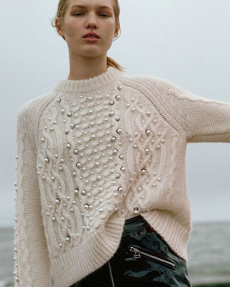 Rag&Bone Resort 2018 #knit #knits #knitted #knitwear #knitting #knitstagram #knitstyle #sweater #vogue #modaoperandi #mezgimas #knittinginspiration #knittinglove #knittinglife #inspoknit #instaknit #inspiration #вязание #вязаныйстиль #вязанаямода #вяжутнетолькобабушки #модноевязание #стильноевязание #вяжутнетолькобабушкиноимамочки