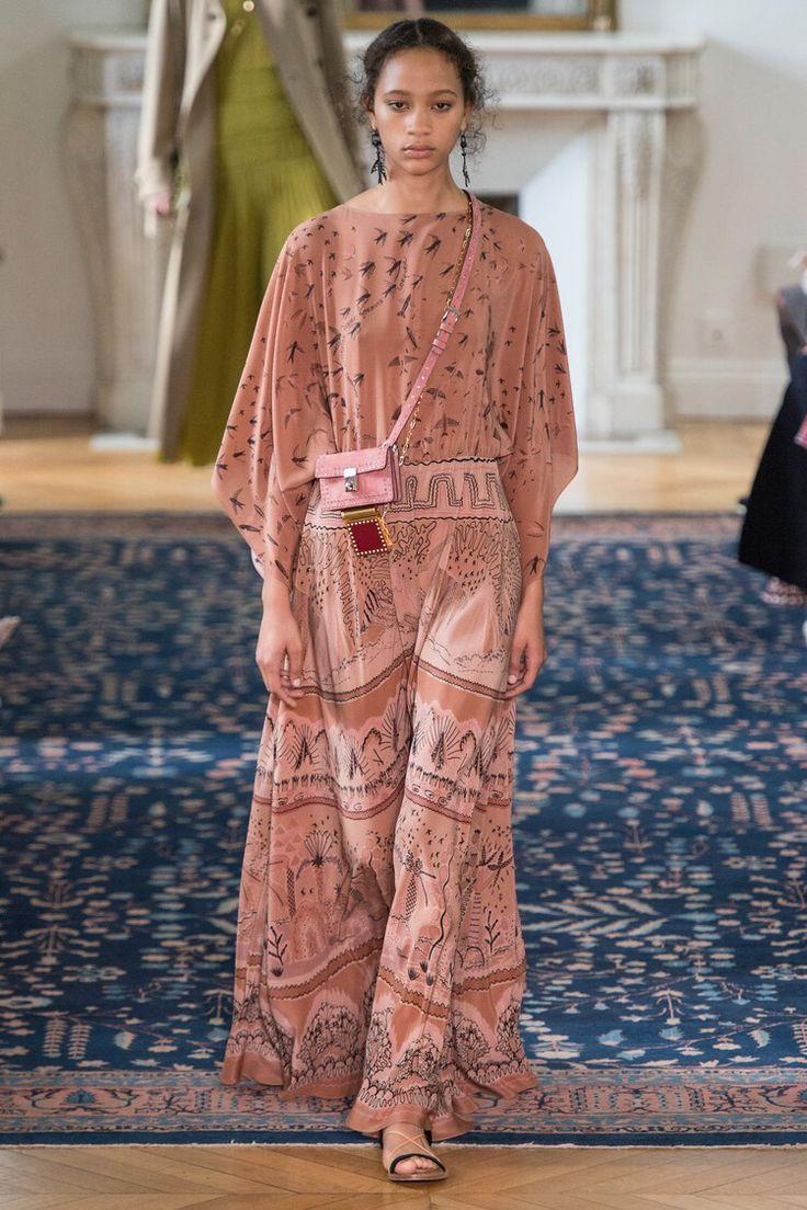 Valentino - Spring 2017 Ready-to-Wear