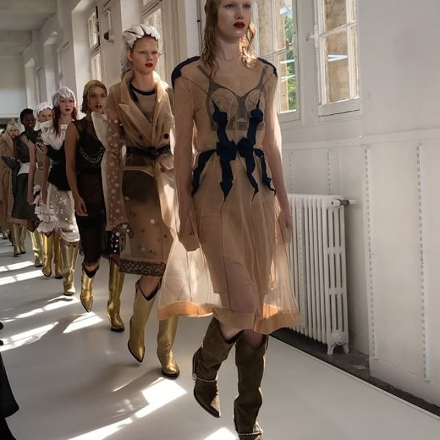 """""""Rethink your basics! It's not nude when you wear it with aplomb! Beauty mixed with couture!"""" John Galliano sends not so subtle message at @maisonmargiela where models still wearing shampoo on their hair glittered rouge lips and body jewellery on top of deconstructed chiffon trench coats. #maisonmargiela #hautecouture  via HARPER'S BAZAAR SINGAPORE MAGAZINE OFFICIAL INSTAGRAM - Fashion Campaigns  Haute Couture  Advertising  Editorial Photography  Magazine Cover Designs  Supermodels  Runway…"""