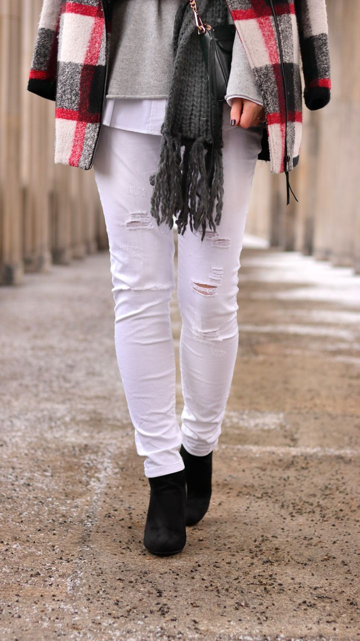 winterlook white ripped jeans justmyself weisse zerrissene jeans