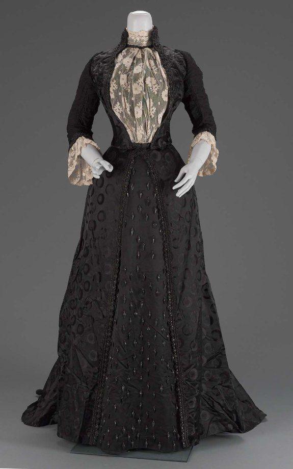 Victorian era dress colors for tan