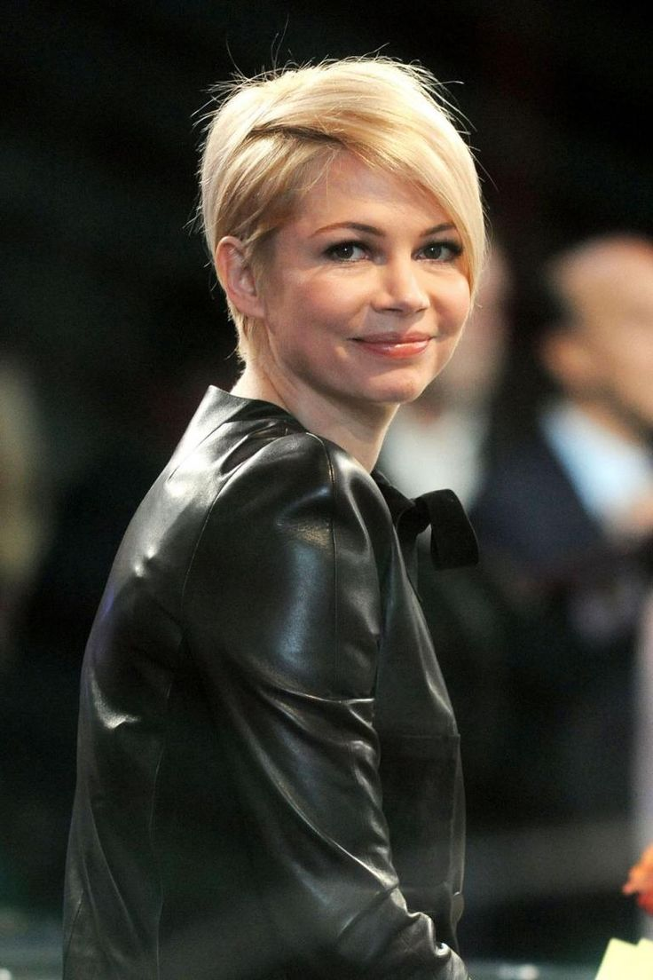 Michelle Williams showed off her blonde short cut and zig zag parting on Good Morning America, filmes in New York City on 19 February 2013....