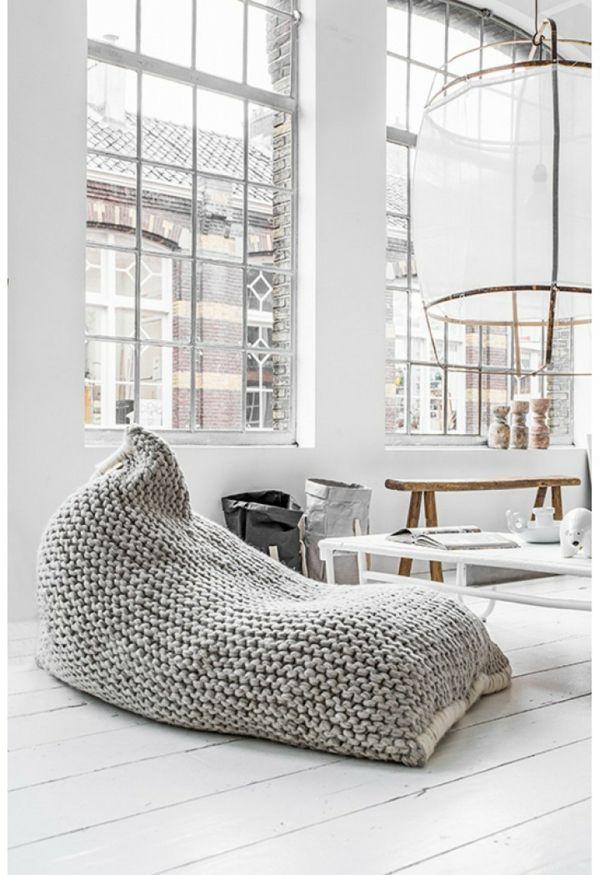 pouf géant tricoté                                                                                                                                                                                 Plus