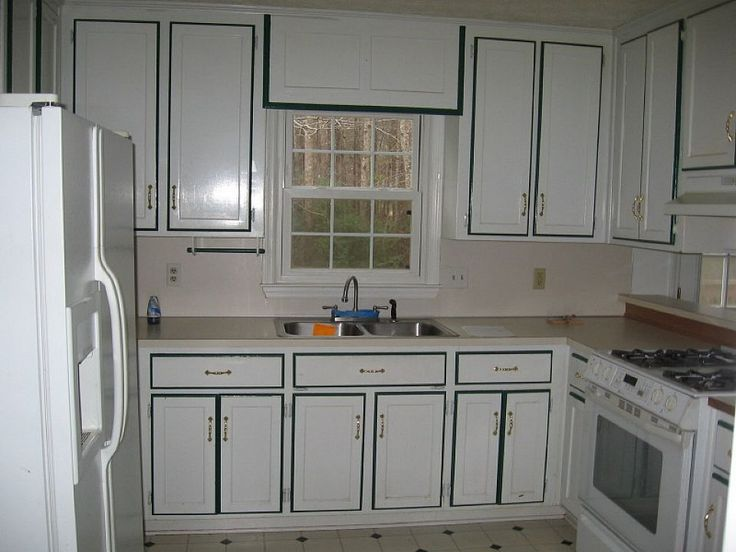 Painting Kitchen Cabinets White Color with Black Border Painting ...