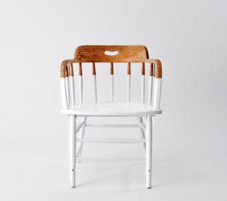 met scherpe lijn, meubels opdelen in niveaus.