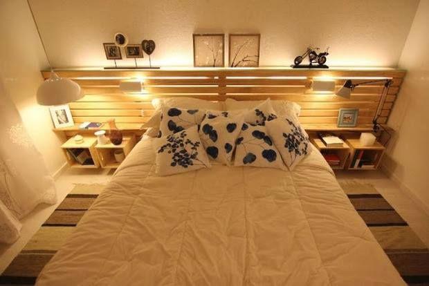 Cabeceira de pallet + iluminação localizada para deixar o quarto mais aconchegante.
