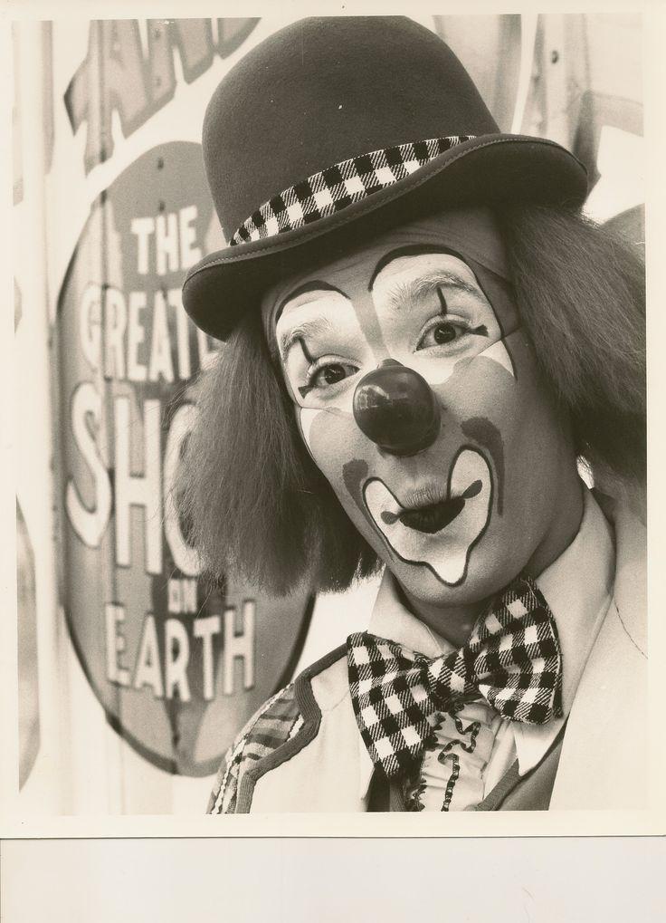 Ringling Brothers Circus photo press release. Circa 1982 (?) Erniferd AKA Ernie Kitson, Clown.