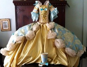 Roni Penberthy's dog dress replica of Marie Antoinette's gown. Stunning! New York Pet Fashion Show: A Celebration of Royal Fashion and Rescues http://barkandswagger.com/new-york-pet-fashion-show-a-celebration-of-royal-fashion-and-rescues